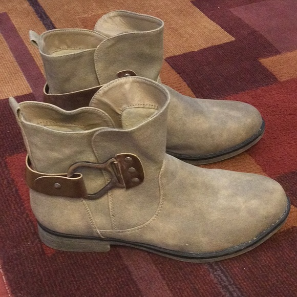 Mukluk ankle Boots